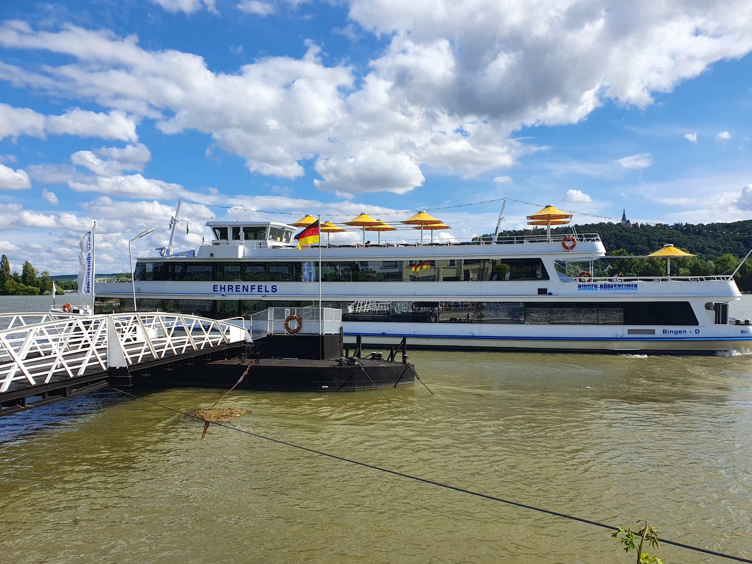 Schifffahrt, Rüdesheim, Winzerexpressbahn, Weinberge