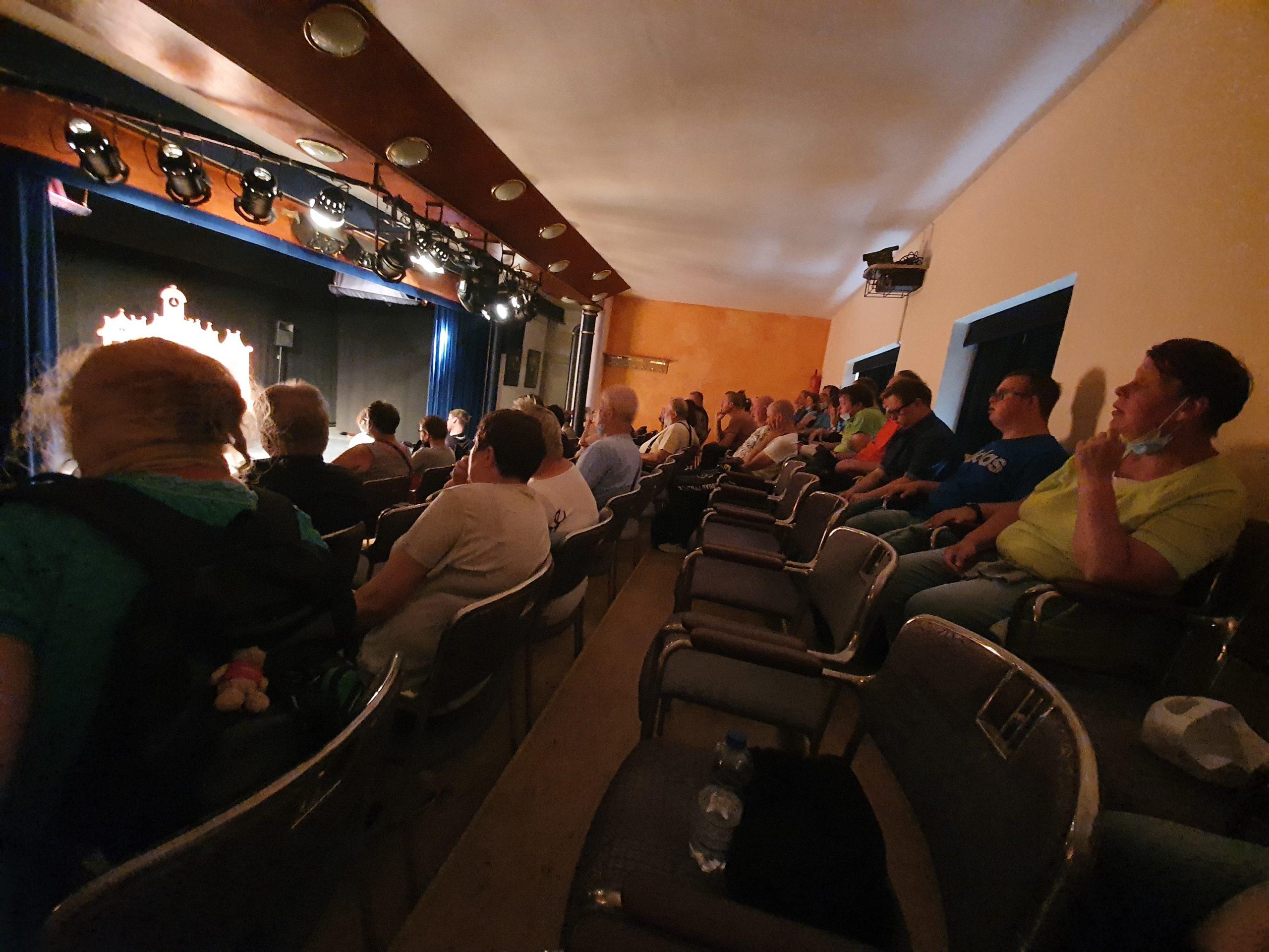 Halbzeit der Ferien, Sektfrühstück, Rhein-Theater